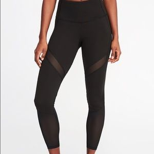 High waisted Old Navy black mesh workout leggings